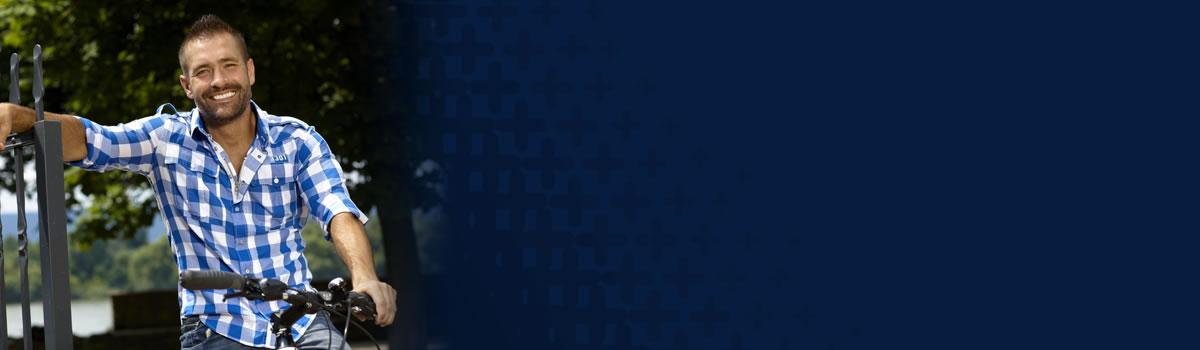 slider-dentures-bluecheck-man-01